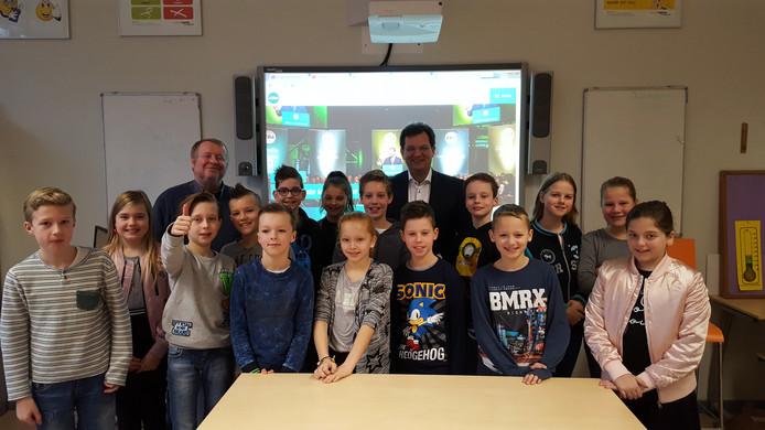 CDA'er Jaco Geurts op bezoek bij de Beatrixschool in Deventer.