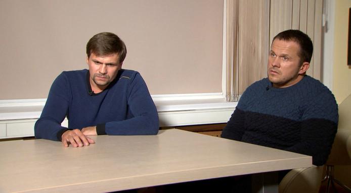 Deze twee Russen zeiden deze week tijdens een interview niks met de Skripal-zaak te maken te hebben.