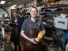 Theo (33) mag zich officieel de beste schoenmaker van Europa noemen