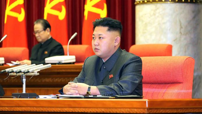 Kim-Jong un met achter hem Jang Song-thaek, op 8 december