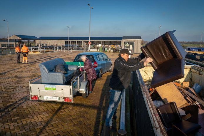 Het afvalbrengstation van Circulus-Berkel in Doesburg, waar vanaf morgen ook inwoners van de gemeente Rheden terecht kunnen.