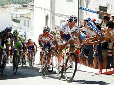 Typische Vuelta-etappe met muur aan het slot