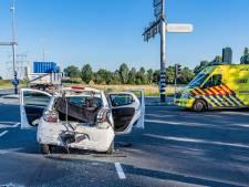 Gewonde bij ongeluk tussen auto en vrachtwagen in Tilburg