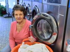 Adri de Jong sluit na 45 jaar wassalon Arja in Moordrecht