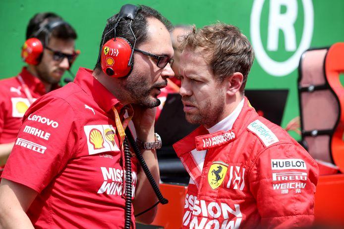 Het gezicht van Sebastian Vettel (rechts) staat op onweer.