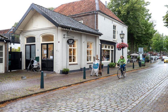 """Na 45 jaar sluit wereldwinkel Eerlijk Waar aan de Rijkesluisstraat in Oirschot. ,,Het is ontzettend jammer."""""""