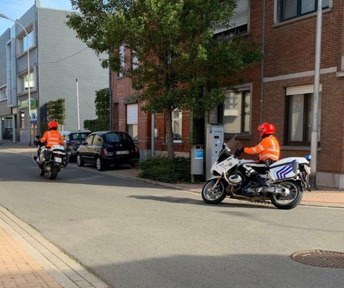 Motorrijders van de poltiezone Regio Tielt haalden snelheidsduivels meteen uit het verkeer.