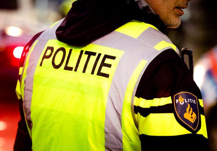 Een Nederlandse politieagent.