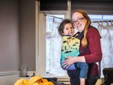Zo veel mogelijk babydragers voor goed doel: 'Wat we op Lesbos doen is blijvend'