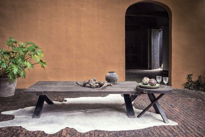 Pascale Naessens komt met eigen meubelcollectie.