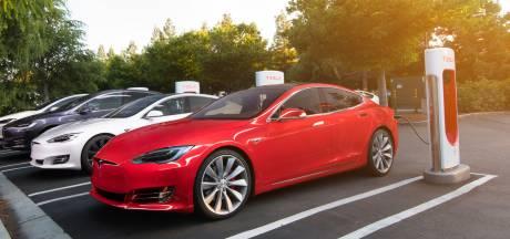 Tesla-rijden wordt in rap tempo flink duurder gemaakt