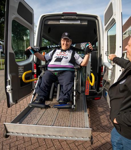 Ewald is erbij als Heracles Almelo speelt, met dank aan de TMZ-bus
