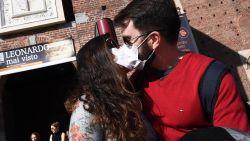 Kunnen toeristen coronavirus bij ons verspreiden? En zal het vanzelf verdwijnen? Alle vragen beantwoord