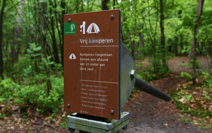 Staatsbosbeheer gaat de 17 paalkamperplekken, waaronder drie in Zeeuws-Vlaanderen, ontmantelen. Mensen houden zich te vaak niet aan de regels.