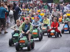 Boekel en omgeving is zondag weer toneel van de Tour Open Tractorrit