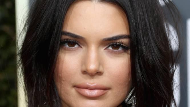 """Kendall Jenner vol acne naar de Golden Globes: """"Laat zoiets je niet tegenhouden"""""""