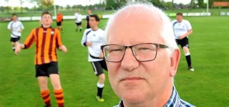 Voetbalcub Wolfersveen bezorgt op 1.000 adressen kaart en zaadjes voor vergeet-mij-nietjes