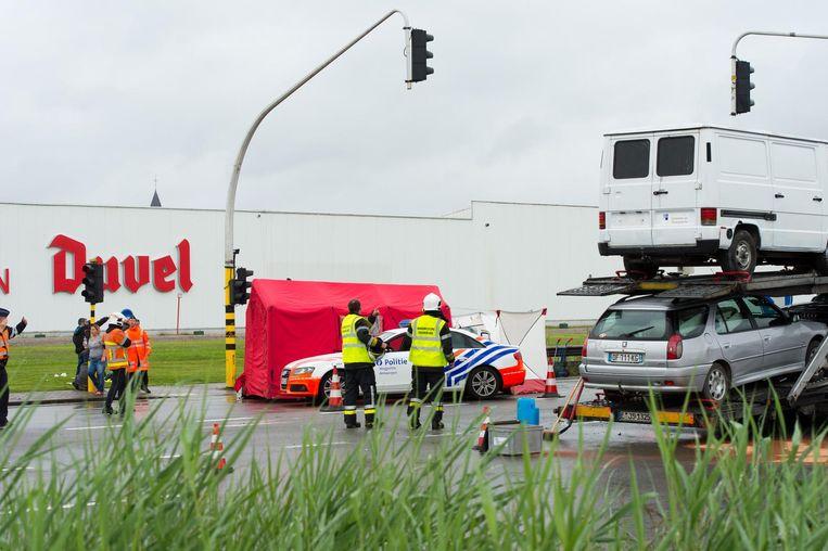 In juni 2016 overlijdt een man aan het beruchte 'Duvel-kruispunt' na een zwaar ongeval.