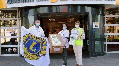 Lions Club Kempenland schenkt laatste lading mondmaskers aan Ziekenhuis Geel