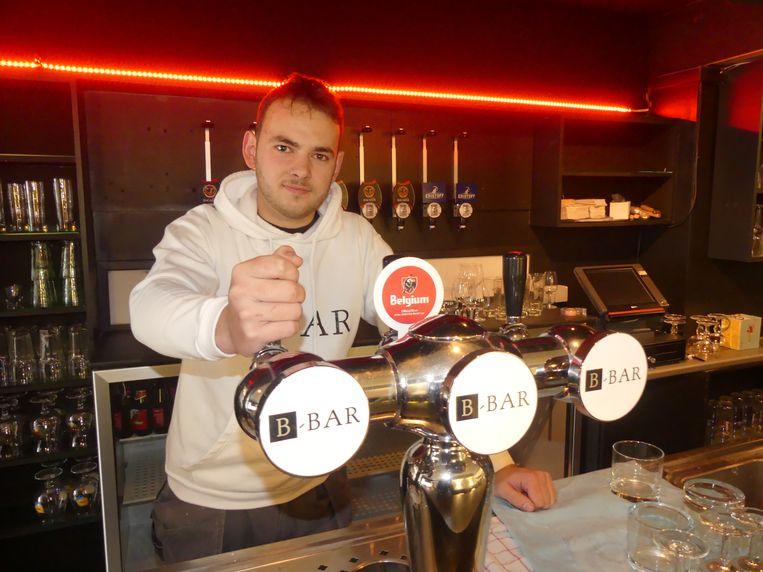 Brent De Smet in zijn B-Bar in Drongen.