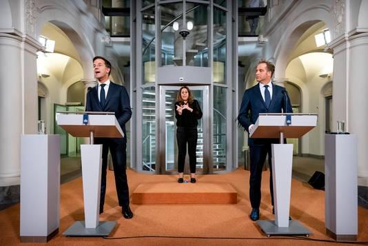Het persmoment van premier Mark Rutte en minister Hugo de Jonge.