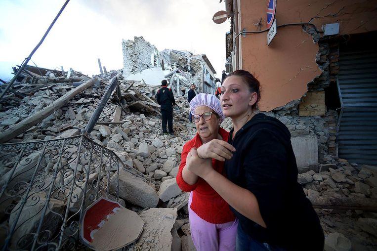 Mensen werden in hun slaap overvallen door de aardbeving. Beeld afp