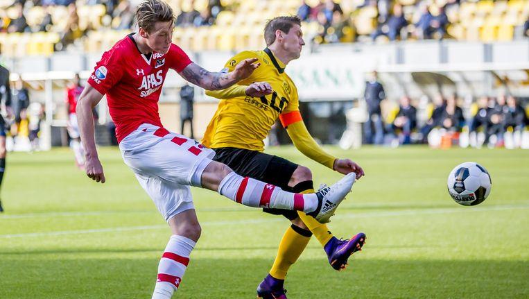 AZ speler Wout Weghorst scoort hier de 1-1 Beeld anp