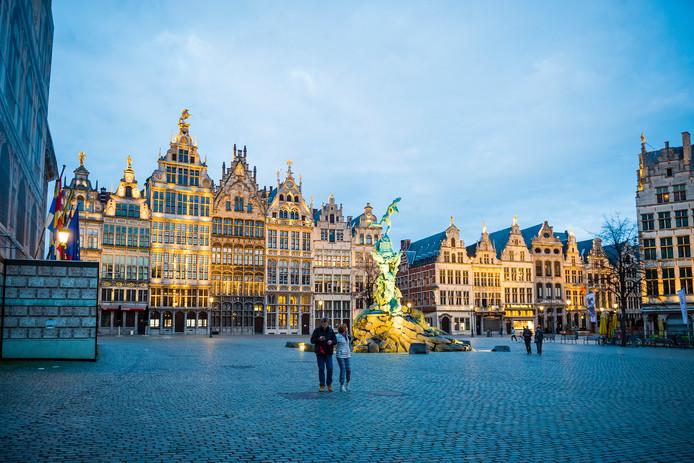 De Grote Markt in Antwerpen tijdens de coronacrisis.