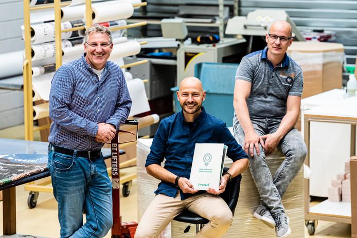 Vlnr Nico de Graaf, Remko Roest en Michel Roest van Decaprint.