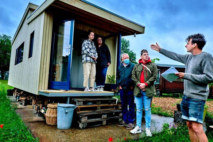 Open dag voor belangstellenden voor een klein huisje. Foto ter illustratie.