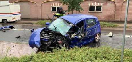 Politie zoekt getuigen van aanrijding met gewonde in Nijverdal