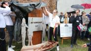 Ultiem eerbetoon: standbeeld voor nonkel Wim en pioniers van Het Kinderuur