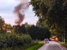 Uitslaande woningbrand in Vaassen: 'Bovenverdieping staat in brand'