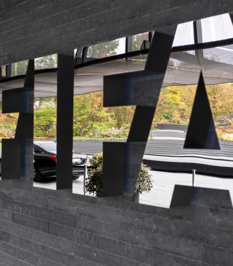 FIFA is bereid om het seizoensslot en de transferperiode op te schuiven