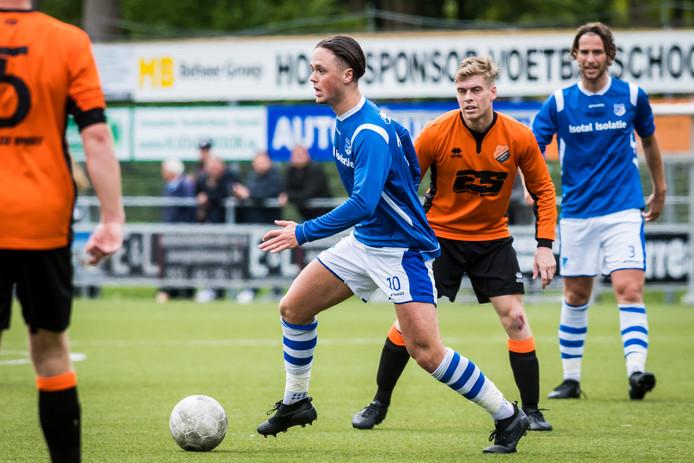 Topscorer Yannik de Vries wil graag op zaterdag voetballen en koos voor Excelsior'31. Hij was ook in beeld bij HSC'21.