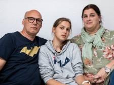 Verwarde man met bijl teistert bewoners in Deventer woonwijk: 'Heb hem twee keer naakt in de tuin gehad'