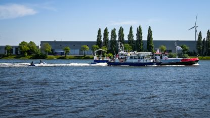 Scheepvaartpolitie oefent in Gentse haven