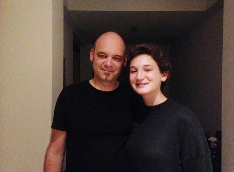 Heike Claeys en haar papa op het feest voor haar 16de verjaardag.