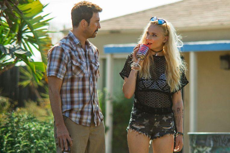 Dylan McDermott en Sophie Turner in Josie van Eric England. Beeld
