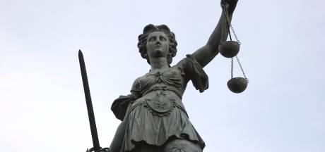 Officier wil asielzoekers Budel jaar de cel in na vechtpartij Eindhoven