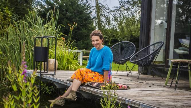"""Siska Schoeters (38) werkt én komt tot rust aan haar vijver: """"Eindelijk geleerd om blij te zijn met wie ik ben"""""""