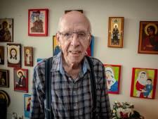 Gelovige Jan (89) schildert al 20 jaar iconen: 'Het mag pas zo heten als ze gezegend zijn'