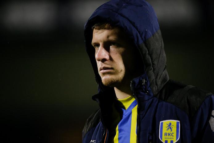 Dylan Seys zette een opvallend filmpje op zijn Instagram account waarin hij Ajax-liederen zingt bij de wedstrijd tegen zijn club RKC.
