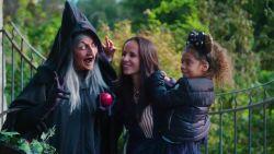 """""""Een beetje zat van de theekopjes"""": Ann Van Elsen met gezin in Disneyland Paris"""