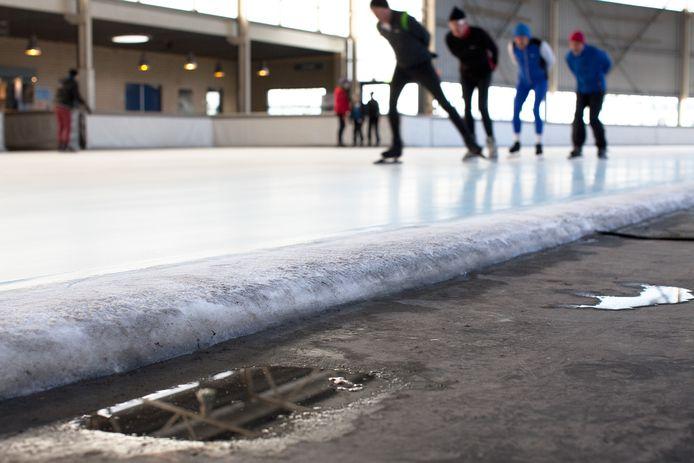Op de schaatsbaan van Breda mogen nog maar 30 personen tegelijk.