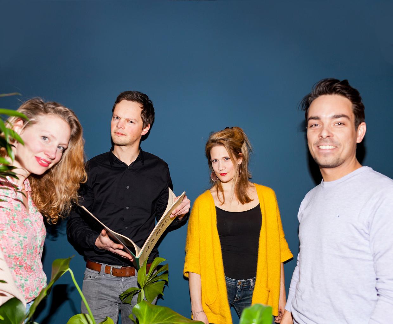 De nieuwe presentatoren van Radio 4,  van links af: Carine Lacor, Sander Zwiep, Jet Berkhout, Christiaan Kuyvenhoven.