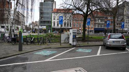 Stad plaatst tien nieuwe snelladers voor auto's