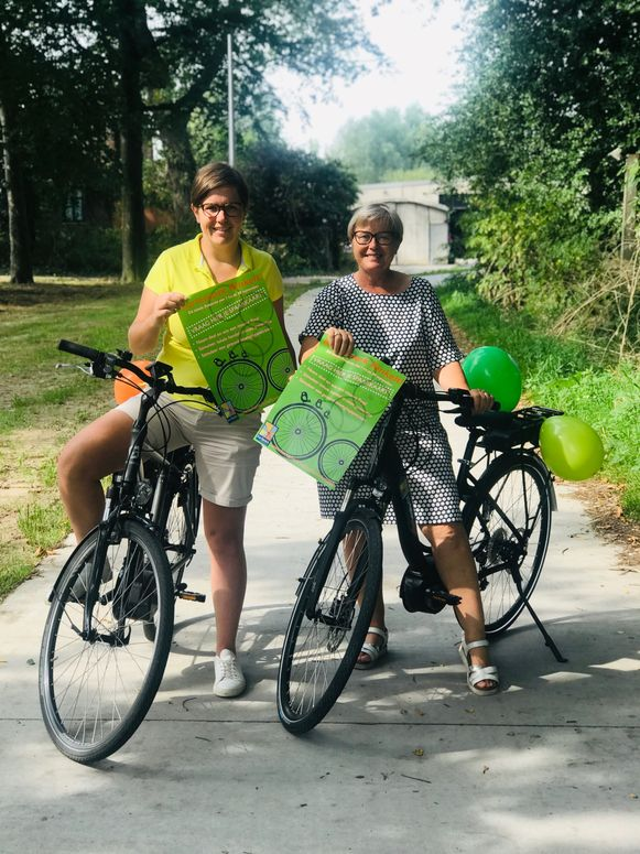 Schepenen Lynn Vermote (Open Vld) en Christine Logghe (CD&V) kondigen een nieuwe campagne 'Koremark Rinkelt' aan