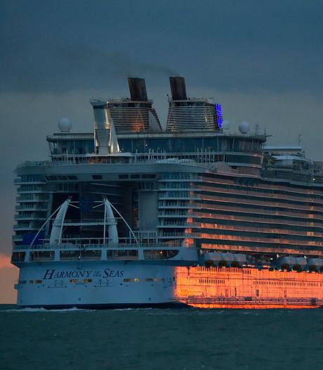 Cruise naar het ziekenhuis: meer zieken dan ooit van vakantieschepen gehaald