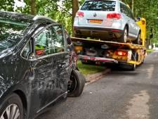 Klapband leidt tot botsing in Etten-Leur, bestuurder naar het ziekenhuis